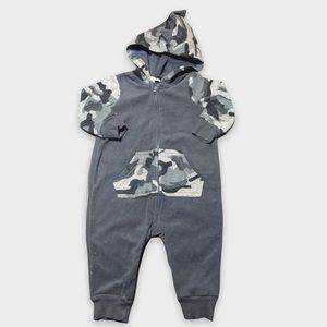 4/$20🥳 Gray Camouflage Fleece Hooded Sleeper